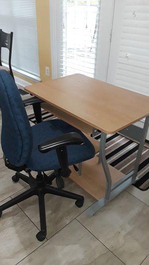 Computer desk with chair for Sale in Woodbridge, VA