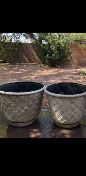(2) Plant Planter Gardening Pots for Sale in Las Vegas, NV