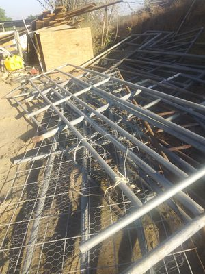 Horse corral panels 16ft long x 5 and half ft high $90 each/cada uno for Sale in Riverside, CA