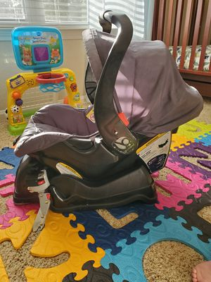 Baby Trend Car Seat for Sale in Crestview, FL