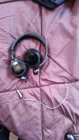 JBL blue tooth headphones and earbuds for Sale in Philadelphia, PA