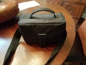 New Canon T6 W/ 18-55 mm & 75-300mm Lens for Sale in Saginaw, TX