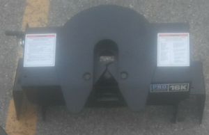 16K pro series 5th wheel hitch for Sale in Columbus, OH