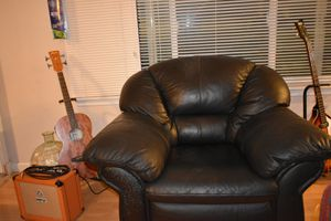 Leather Club Chair for Sale in Gig Harbor, WA