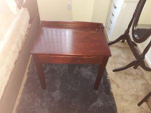Melissa & Doug kid desk for Sale in Rialto, CA