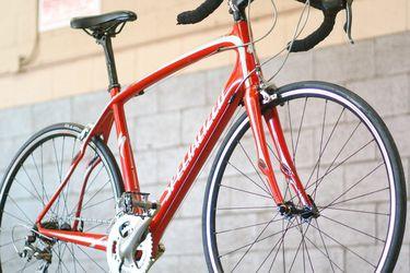 Specialized Carbon Fiber Roubaix Elite 57cm for Sale in Los Angeles,  CA