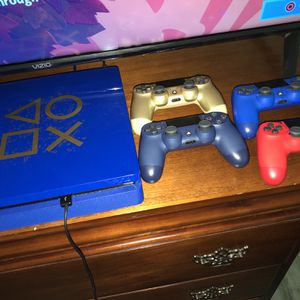 Ps4 Limited Edition Days Of Play for Sale in Miami, FL