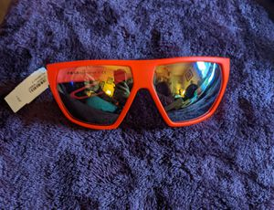 NWT Men's Prada Sunglasses for Sale in Bothell, WA