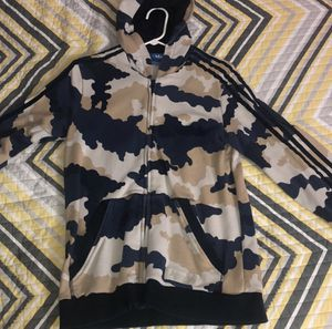 Adidas camouflage (XL) for Sale in Leesburg, VA