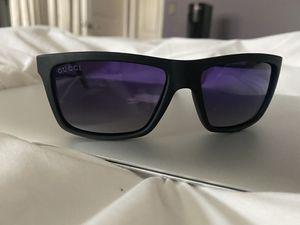 Gucci men's sunglasses for Sale in Westmont, IL