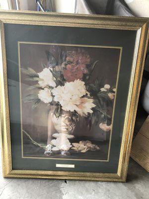 "Wall frame decor flower 32'' x 25"" for Sale in Gainesville, VA"