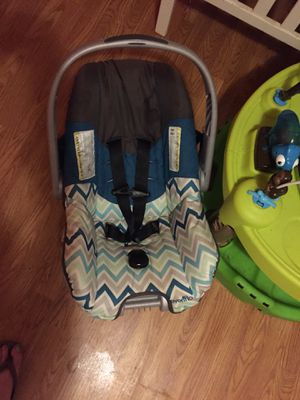 Baby car seat for Sale in Chocowinity, NC