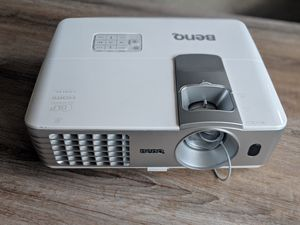 BenQ HT1075 1080p 3D DLP Home Theater Projector for Sale in Chicago, IL