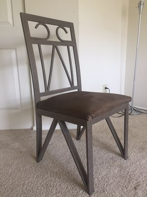 Dining Table and 4 chairs for Sale in Centreville, VA