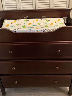 3-Drawer Changing Table Dresser for Sale in Brandon,  FL