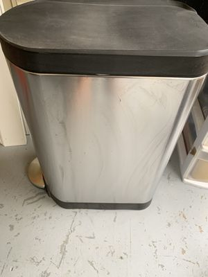 Simple human kitchen garbage can for Sale in Durham, NC