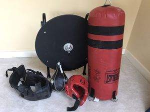 Everlast boxing equipment for Sale in Holliston, MA
