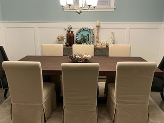 Dining Room Table And Chairs for Sale in Apex,  NC