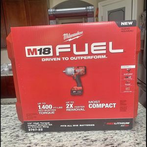 Milwaukee M18 HIGH TORQUE Impact Wrench Kit. FIRM ON PRICE for Sale in Chicago, IL