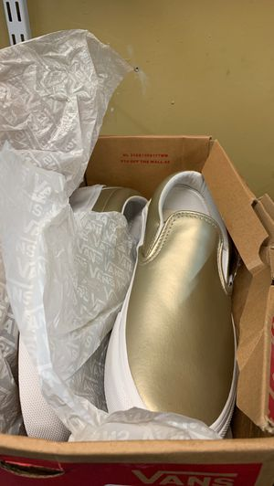 New vans gold new in the box for Sale in Tulalip, WA