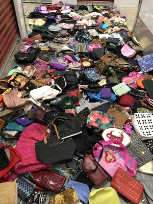 Lot of 308 small purses & wallets for Sale in Hyattsville, MD