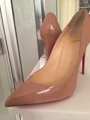 Authentic Christian Louboutin Heels Size 40.5 for Sale in Phoenix, AZ