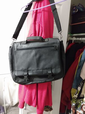 Fondini shoulder strap bag excellent condition for Sale in Alexandria, VA
