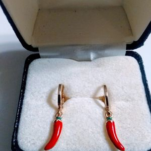 Beautiful Gold Plated Little 🌶️ Earrings.🎁🎁🎁 for Sale in West Palm Beach, FL