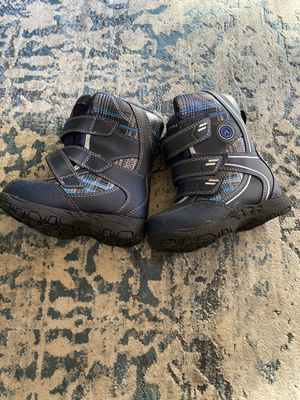 Airwalk kids snow boots (size 7) for Sale in Massapequa, NY