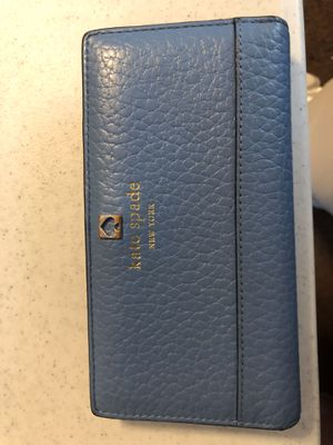 Kate spade wallet for Sale in Grove City, OH