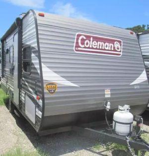 2017 coleman lantern 17 fq camper for Sale in Kissimmee, FL