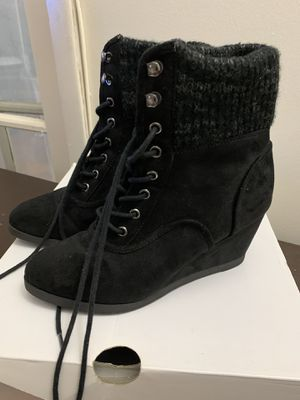 Black wedge boots - Size 7 for Sale in Miami, FL