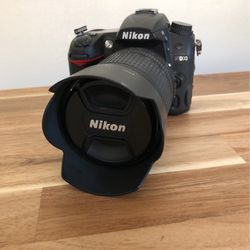 Nikon D7000 w/ 18-105mm Nikkor Lens for Sale in Canyon Country,  CA