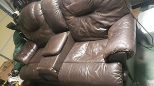 Leather love seat for Sale in New Port Richey, FL
