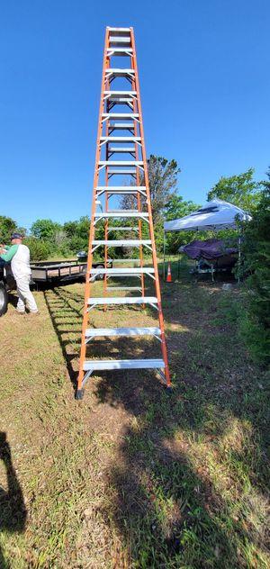 14ft Louisville A frame fiberglass ladder for Sale in Austin, TX