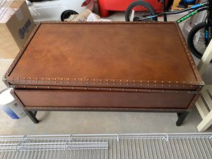 Coffee table FREE for Sale in Duluth, GA