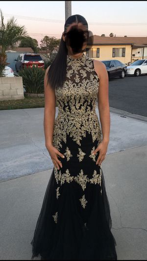 Beautiful gold and black prom/wedding dress! Size medium! for Sale in Westminster, CA