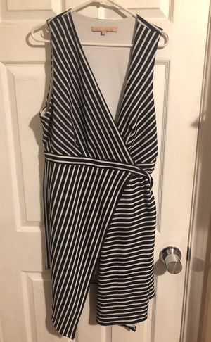 Beautiful wrap dress, 1X by hutch, never worn! Black and white stripped! for Sale in Brisbane, CA
