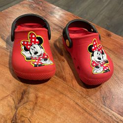 6C Girl Minie Mouse Crocs for Sale in Los Alamitos,  CA