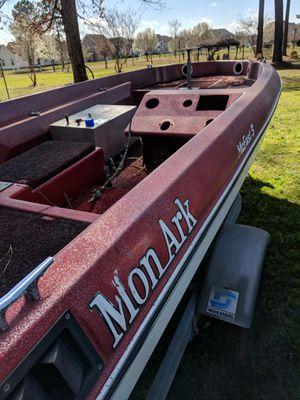 76 monarch bass boat. for Sale in Suffolk, VA