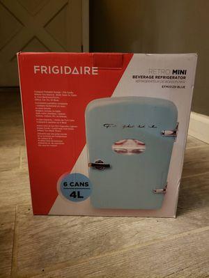 Frigidaire 6 cans 4L mini Fridge Blue for Sale in Stockton, CA