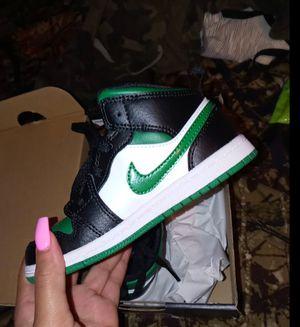 Jordan Mid 1 Green and Black 10c for Sale in Miramar, FL
