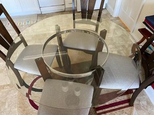 Dining table for Sale in Morrisville, NC