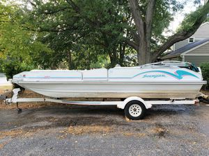 1994 Lowe Tahiti Suncruiser Deck Boat with Trailer and Tubes for Sale in Batavia, IL