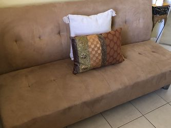 Futon (beige) for Sale in Miami,  FL