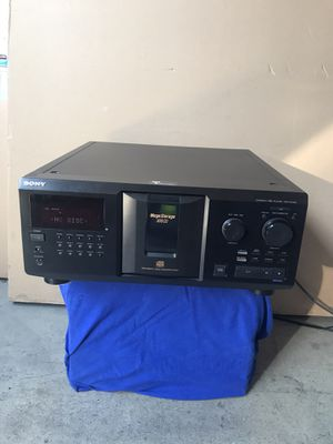 Sony Compact Disc Player CDP-CX355 mega 300 CD. Whit remote control for Sale in Irvine, CA