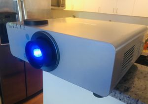 Panasonic Projector Large for Sale in Miami, FL
