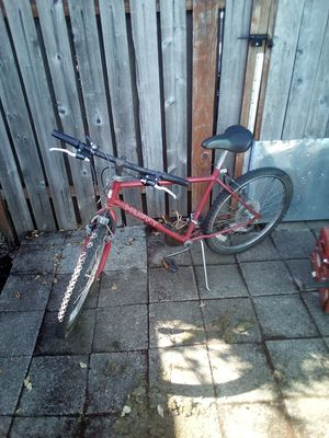 Huffy red bike for Sale in Portland, OR