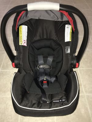 Graco SnugRide SnugLock 35 Infant Car Seat for Sale in Neenah, WI