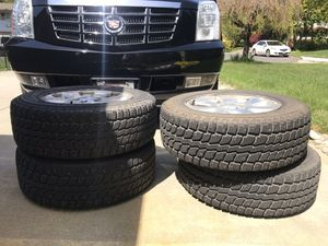 235-65-R 17 tires and rims for Sale in Bellevue, WA